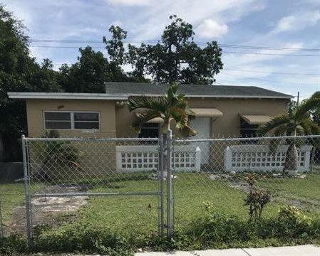 221 NW 179th St Miami, FL 33169