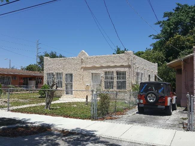 277 NW 50th St Miami, FL 33127