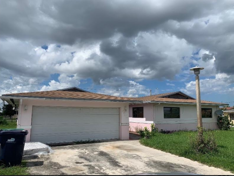 2901 NW 185th St Miami Gardens, FL 33056