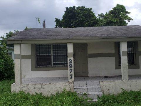2977 NW 49th St Miami, FL 33142