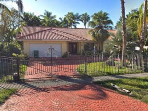 340 NW 132nd Ave Miami, FL 33182