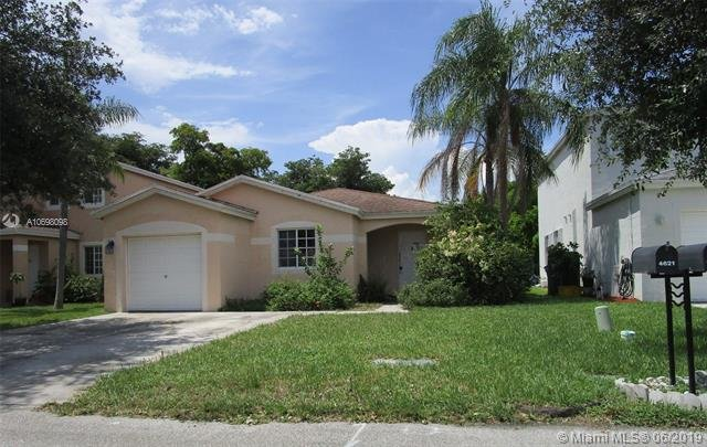 4621 SW 12th St Deerfield Beach, FL 33442