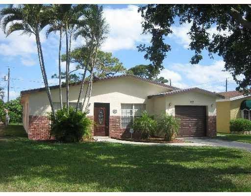 517 NW 52nd St Boca Raton, FL 33487