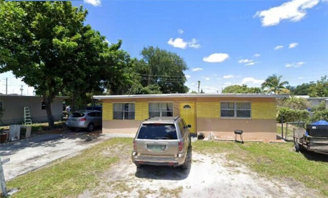 5903 SW 26th Terrace West Park, FL 33023