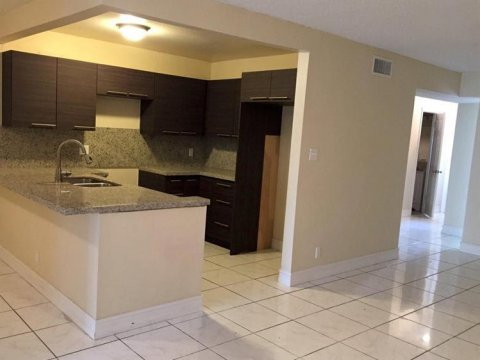 5955 NW 25th Ct #208 Sunrise, FL 33313