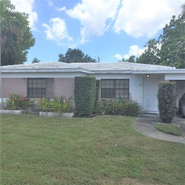 704 SW 12th St Fort Lauderdale, FL 33315