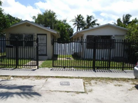 7725 NW 2nd Ct Miami, FL 33150