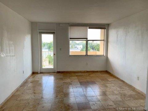 910 Jefferson Ave #5B Miami Beach, FL 33139