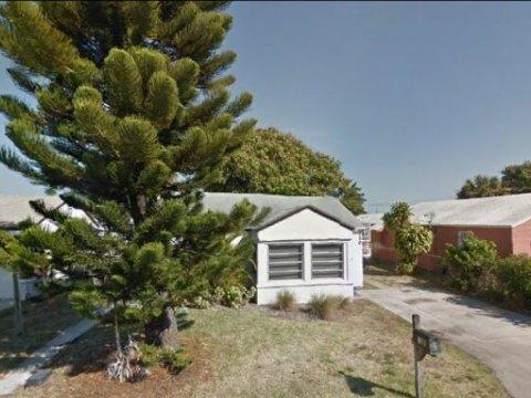 130 W 18 ST Riviera Beach, FL 33404