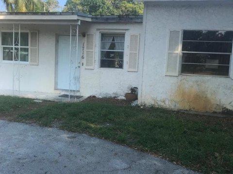 1716 NE 50th St Pompano Beach, FL 33064