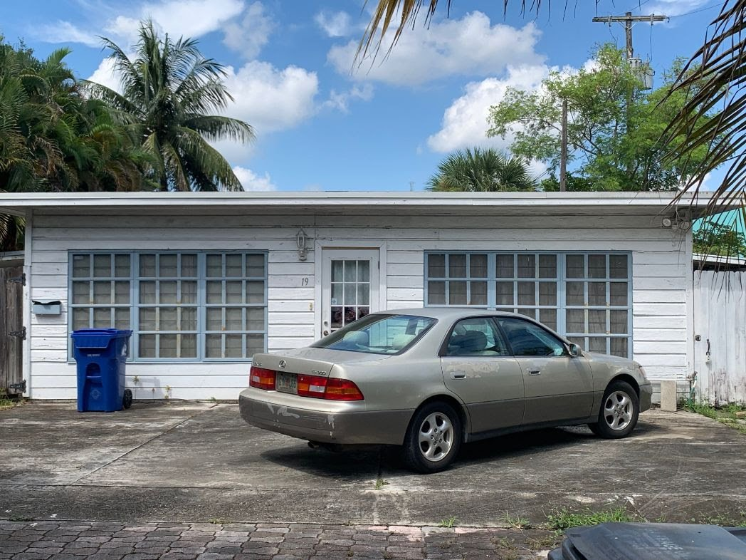 19 SW 8th Ave Ft Lauderdale, FL 33312
