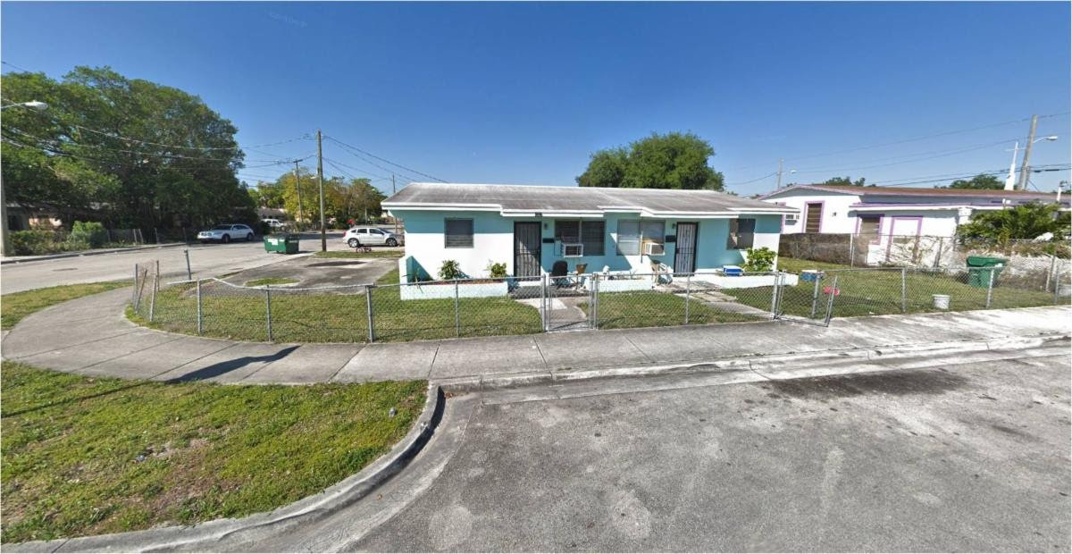 2009 Washington Ave,Opa locka, FL 33054