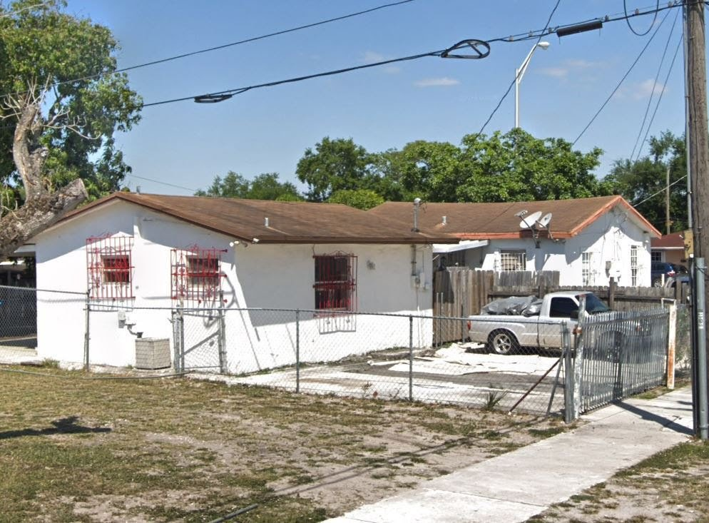 2310 NW 103rd St Miami, FL 33147