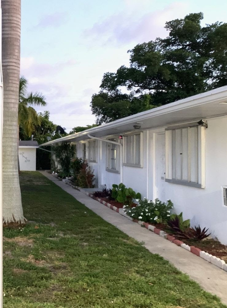 2450 Lincoln St Unit 4 and Unit 7 Hollywood, FL 33020