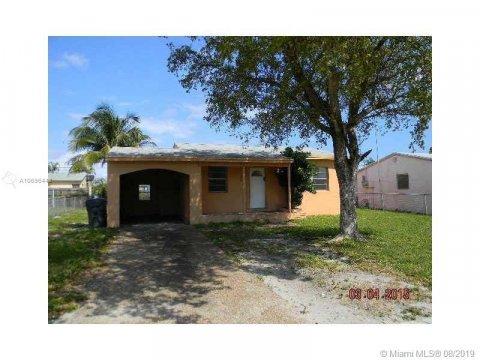 2539 Fletcher St Hollywood, FL 33020