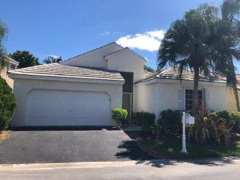 315 Somerset Way Weston, FL 33326, USA