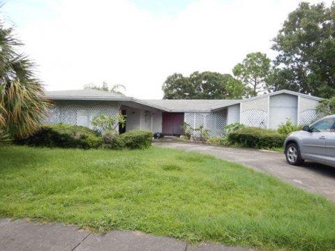 4644 Bay Crest Dr Tampa, FL 33615, USA
