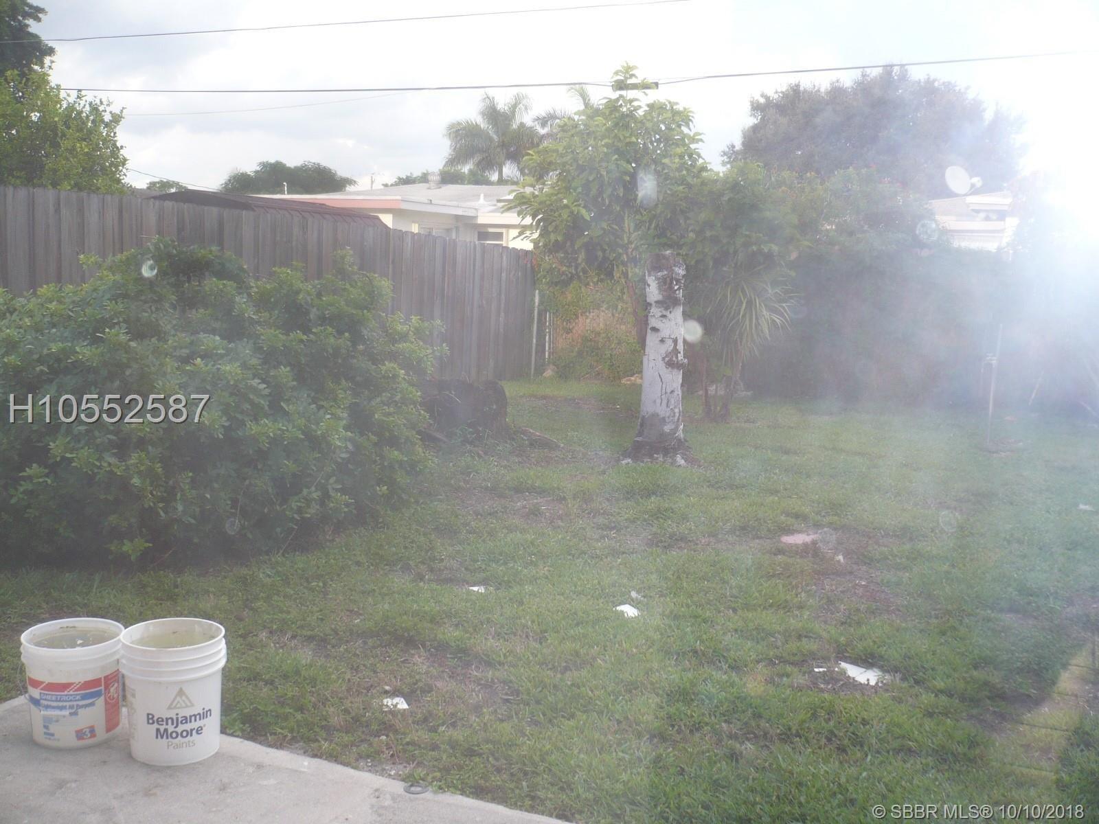 701 N 74th Ave Hollywood, FL 33024