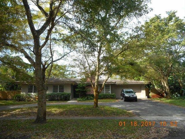 741 N Fig Tree Ln Plantation, FL 33317, USA ...