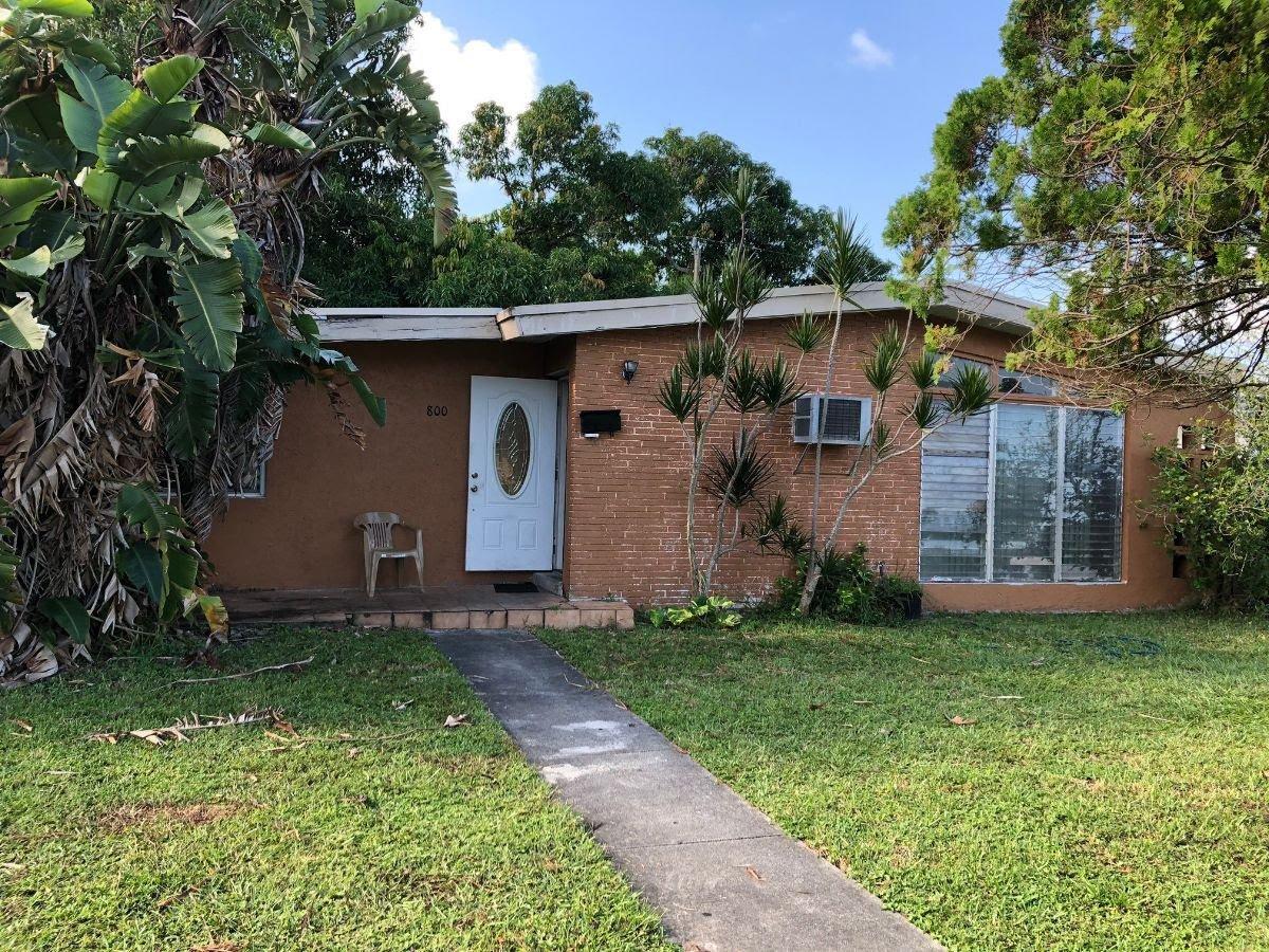 800 NW 171st St Miami, FL 33169