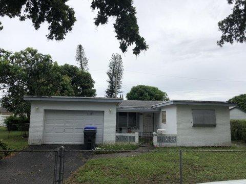 1100 N 74th Way Hollywood, FL 33024, USA