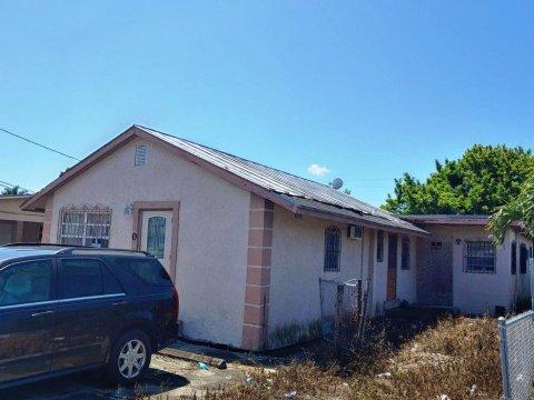 130 SW 10th AveSouth Bay, FL 33493, USA