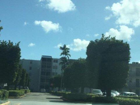 14140 SW 84 St. Apt. 305-H, Miami 33183