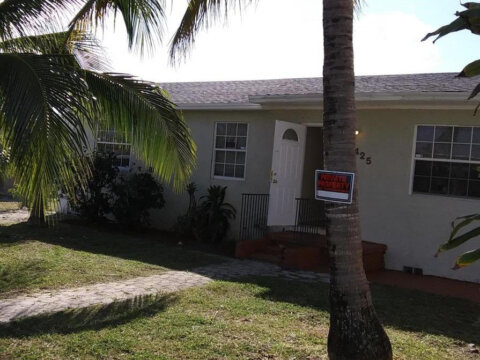 1425 W 30th St Riviera Beach, FL 33404