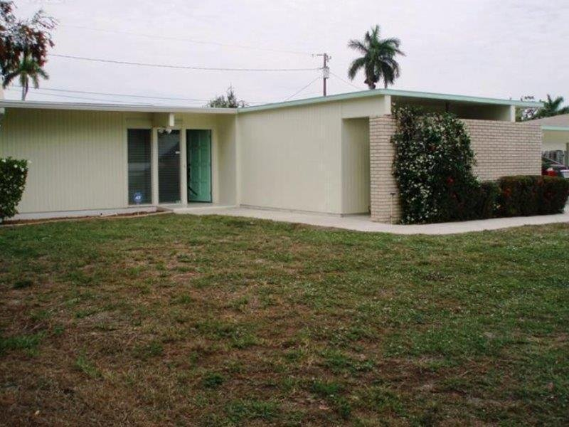 1599 Grove Ave Fort Myers, FL 33901
