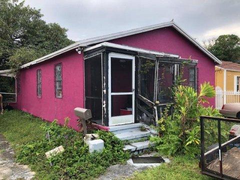 1730 NW 58th St, Miami, FL 33142