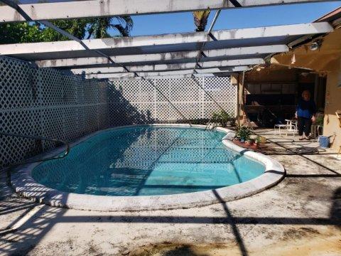 19180 NE 22nd Avenue, North Miami Beach, FL 33180
