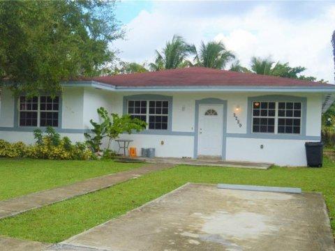 2229 NW 60th St, Miami FL 33142