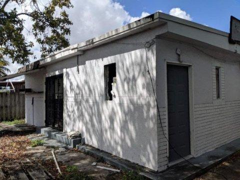 2418 NW 81st Terrace Miami, FL 33147
