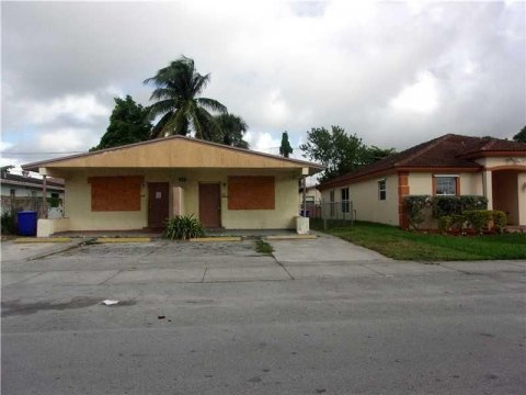 2731 NW 14th St, unit A-B, Ft. Lauderdale, 33311