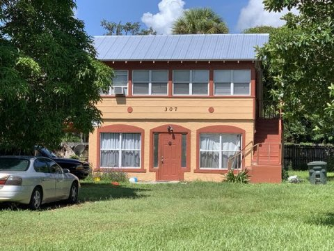 307 N 11th St Fort Pierce, FL 34950, USA