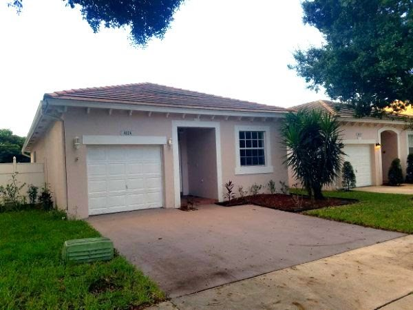 4824 NW 19th St Coconut Creek, FL 33063, USA