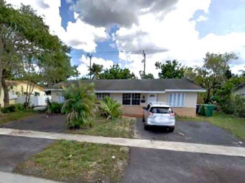 5300-5304 NW 15th Ct, Lauderhill, FL 33313