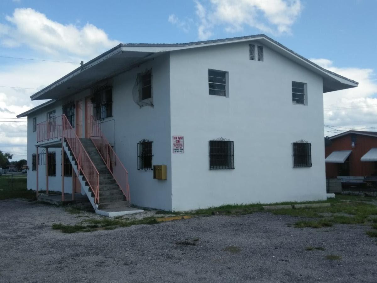 545 SW 4th St APT 1 Belle Glade, FL 33430, USA