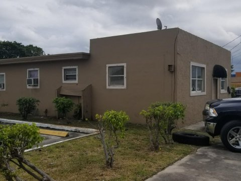 612 NW 2 AVE Hallandale, FL 33009