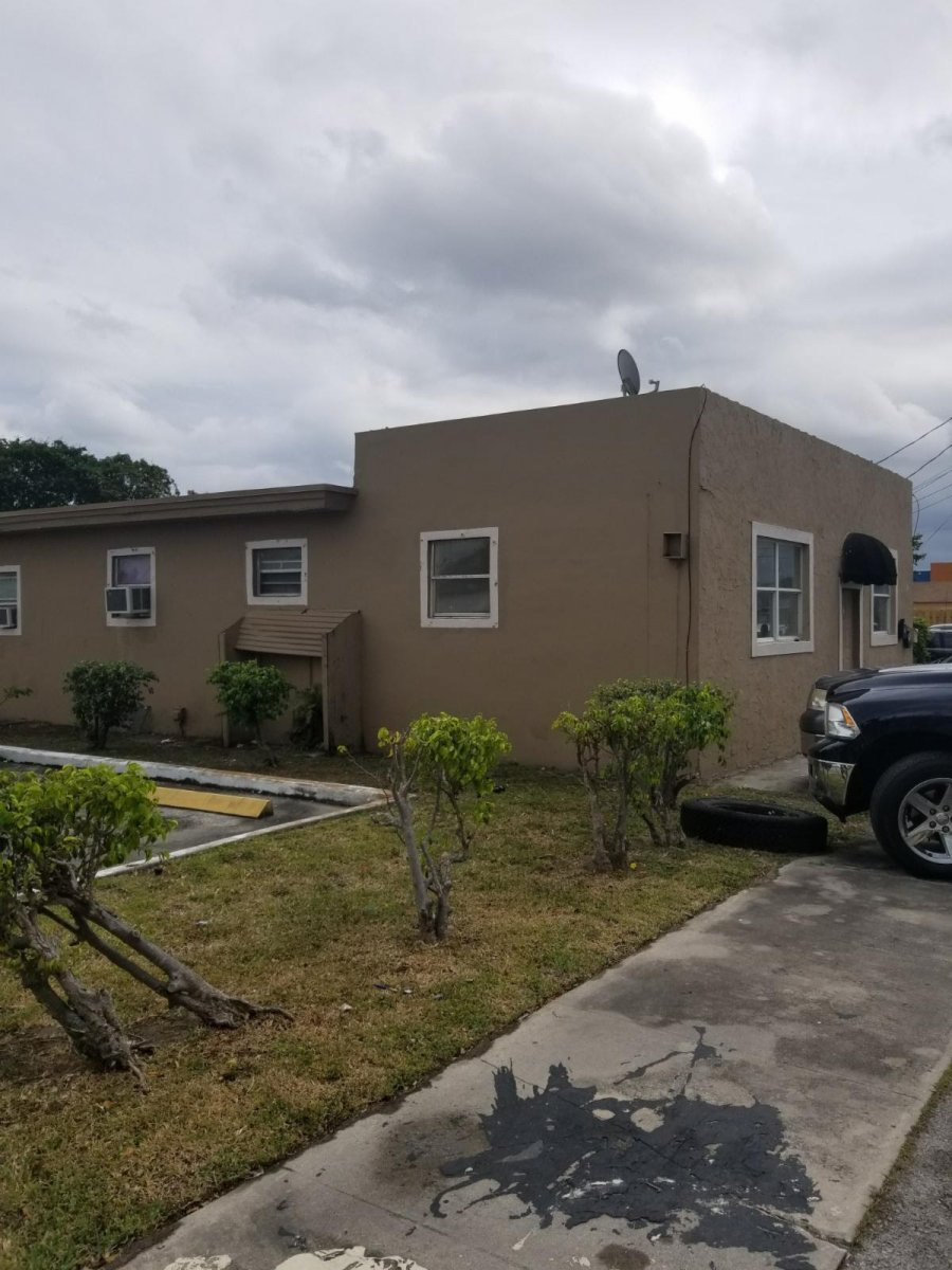 612 NW 2 AVE Hallandale, FL 33009
