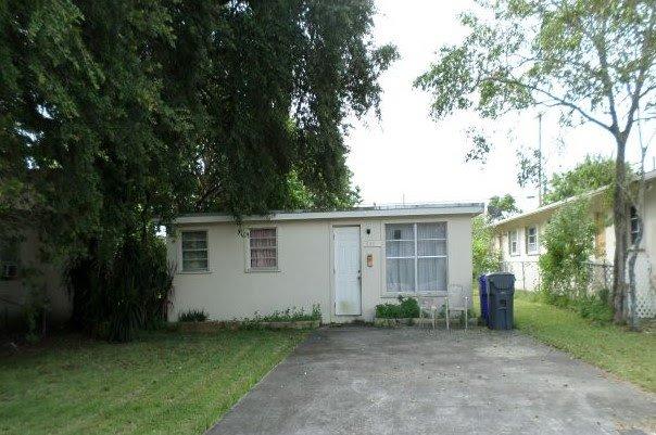 6142 Buchanan St Hollywood, FL 33024, USA