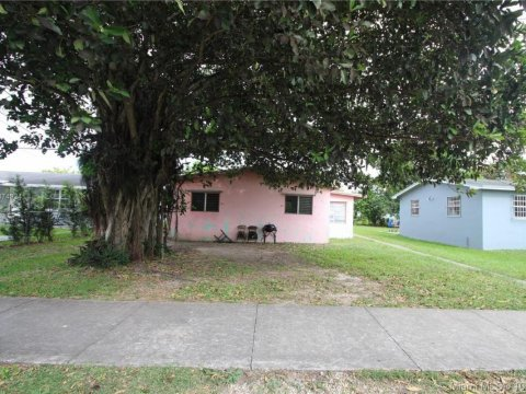 621 SW 12th Ave Homestead, FL 33030