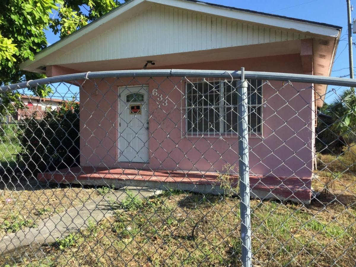 633 SW Avenue D, Belle Glade, FL 33430