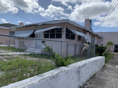 900 20th St West Palm Beach, FL 33407