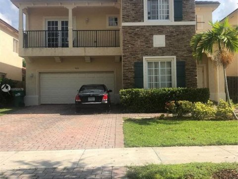 9433 SW 227th TerraceCutler Bay, FL 33190, USA