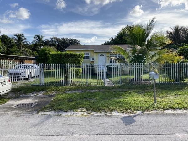 10525 NW 29th Ave Miami, FL 33147, USA
