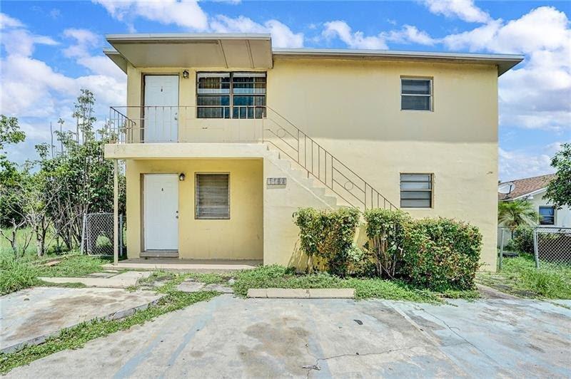 1184 W 37th St, Riviera Beach, FL 33404