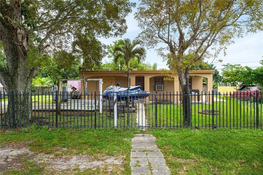 12920 Wood St Miami, FL 33167, USA