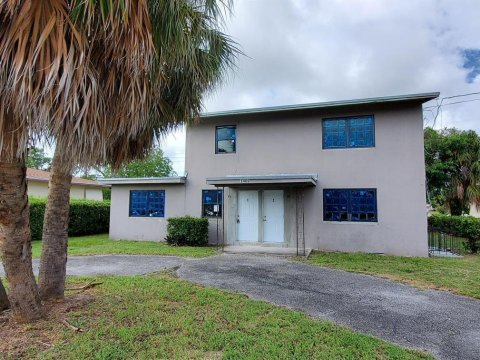 1400 W 28th St Riviera Beach, FL 33404
