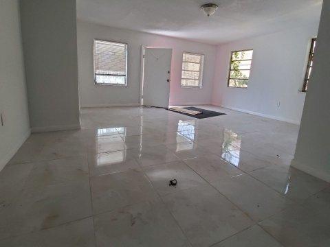 1738 NW 68th Terrace Miami, FL 33147, USA